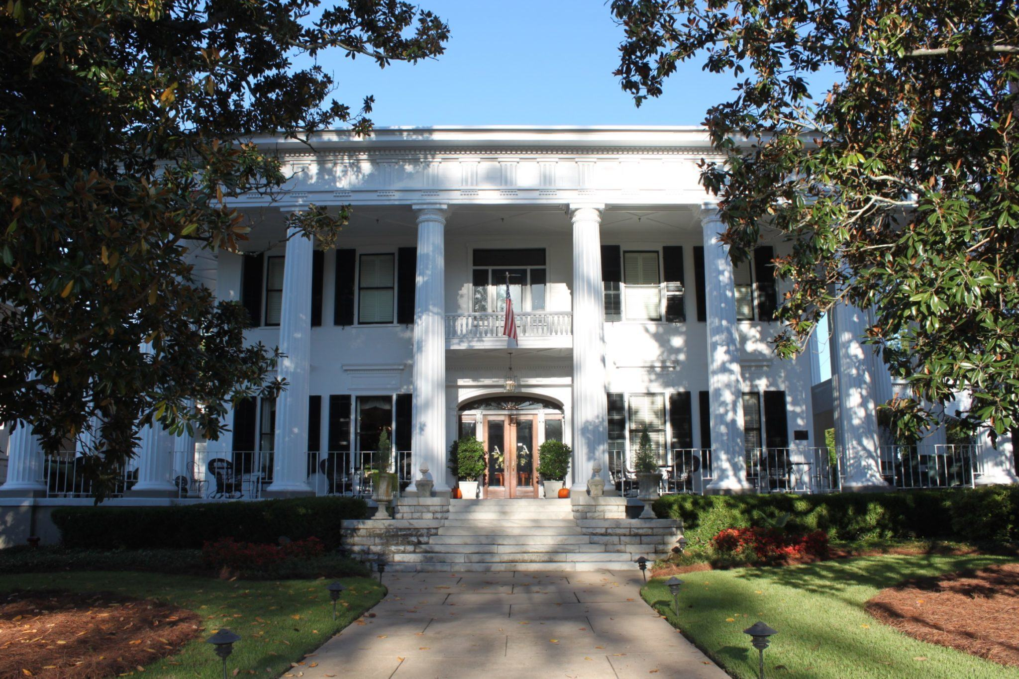 southern stays 1842 inn bed and breakfast this is my south. Black Bedroom Furniture Sets. Home Design Ideas