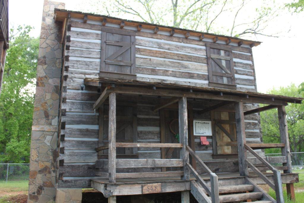 Vann Cabin