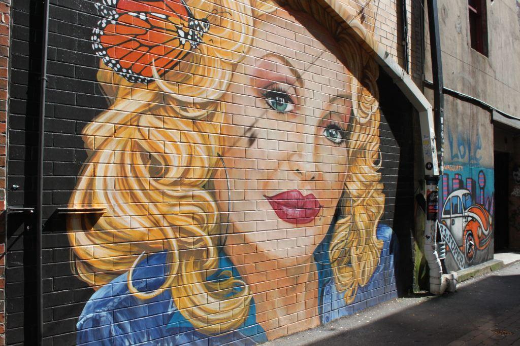 Dolly mural